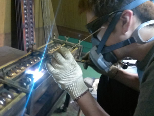 ベビーカステラ機修理、再テフロン加工