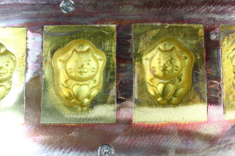 ネモフィラ祭り公式キャラクターのネモにゃん型のベビーカステラ機